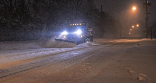 Blizzard Pounds New England With Up to Four Inches of Snow Per Hour