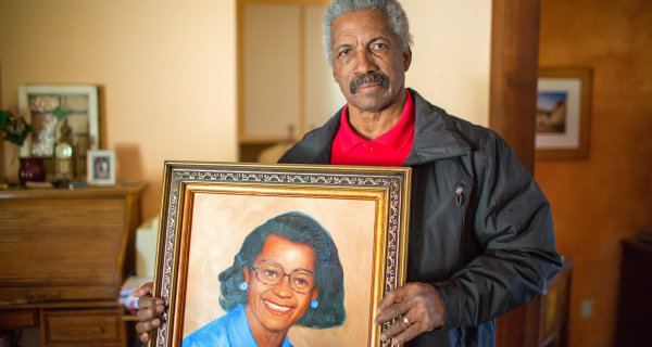 Ex-NFL Star Kermit Alexander Sues to Have Family's Killer Executed