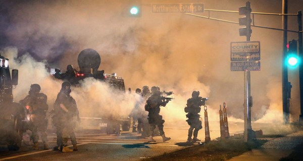 Ferguson Unrest: Missouri Police Agencies Agree to Limit Use of Tear Gas on Protesters