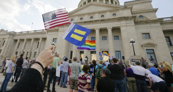 Religious Freedom Law: Arkansas Bill Awaits Governor's Decision After Indiana Outcry