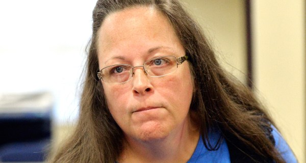 Does Kim Davis, Kentucky Clerk Blocking Gay Marriages, Have Legal Grounds?
