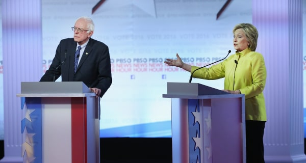 Clinton Attacks Sanders as 'Single Issue Candidate' in Milwaukee Debate
