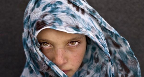 Portraits Capture Piercing Gaze of Syrian Refugee Children