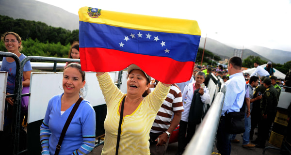 Venezuelans Pour Into Neighboring Colombia for Basic Supplies