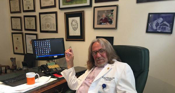 Trump Doctor Wrote Health Letter in Just 5 Minutes as Limo Waited
