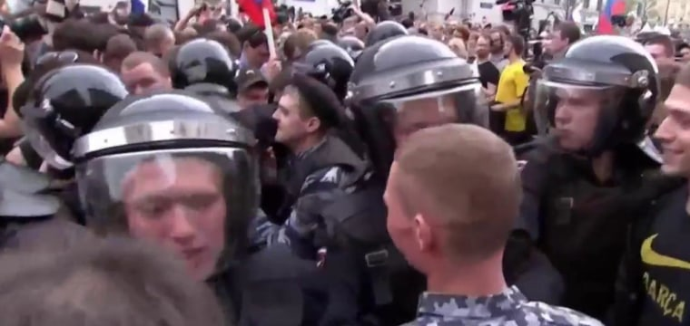 'This Is What Happens When You Try to Demonstrate Against Vladimir Putin'
