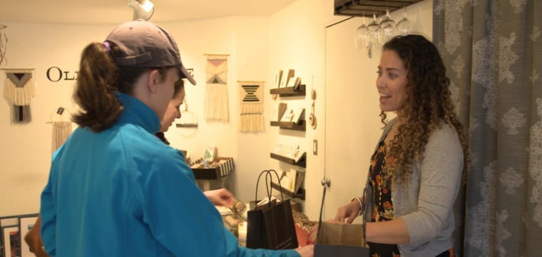 Top 5 reasons to shop local on Small Business Saturday