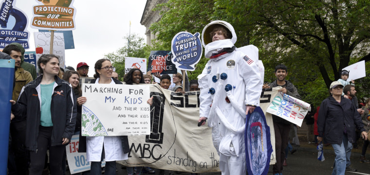 Around the World, Cities Swell with Celebrations for Science