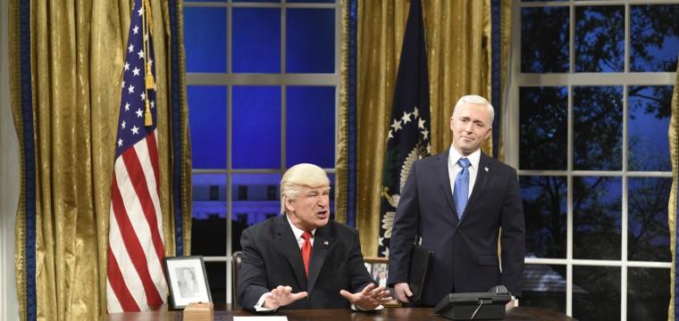 'SNL' Season Finale Pokes Fun at Tumult in the Trump White House