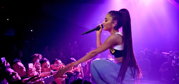 Ariana Grande Says She'll Hold Benefit Concert for Manchester Victims