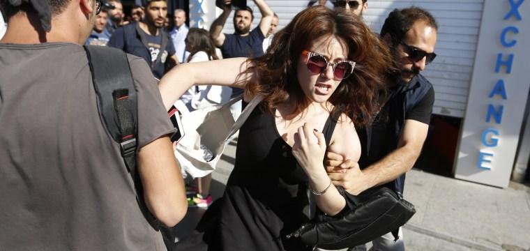 Istanbul Police Enforce Ban on Pride Parade