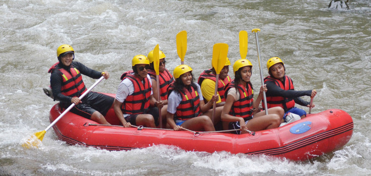 Obamas River Raft in Bali as Family Vacations in Indonesia