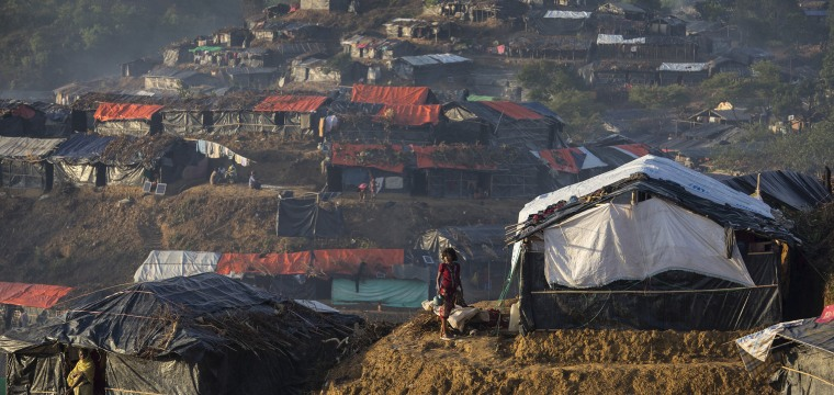 Desperate Rohingya Refugees Face Squalor at Crowded Bangladeshi Camp