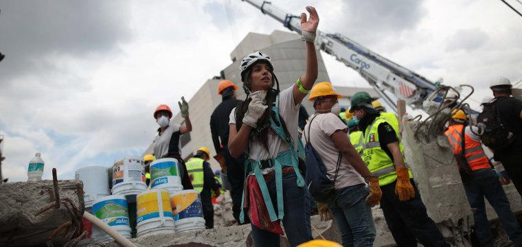 Death Toll in Mexico Quake Rises to 295, Search for Survivors Continues