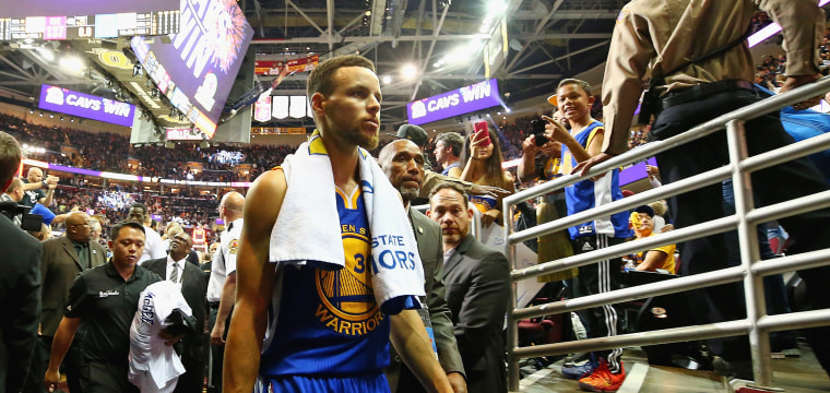Trump Withdraws Invitation to White House After Stephen Curry Says He's Opposed to Going
