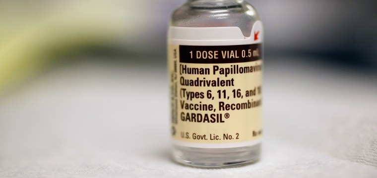 Panel recommends HPV vaccine for men up to age 26
