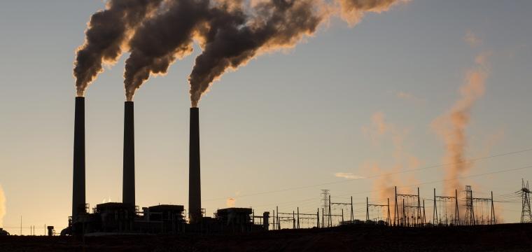In the Arizona desert, coal era burns out for Navajo