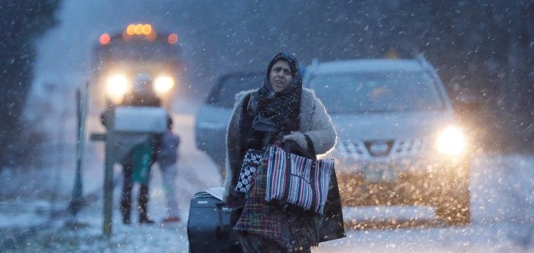 Taxi to Canada: Migrants flee uncertainty in Trump's America