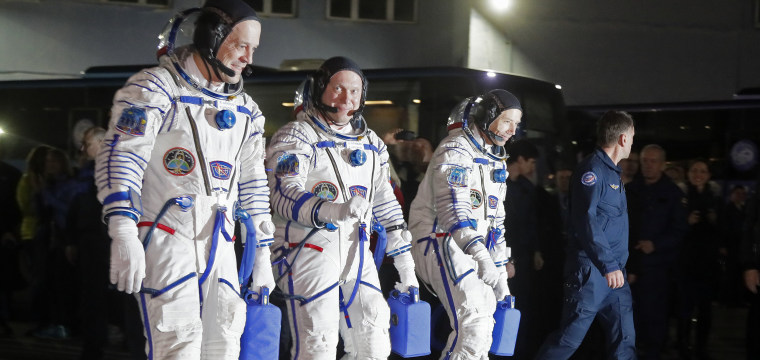 NASA astronauts launch aboard ISS-bound Soyuz rocket