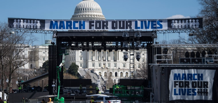Latino students, families mobilize for the 'March for our Lives'