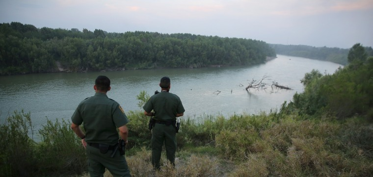 Border Patrol agent kills migrant near Texas-Mexico line