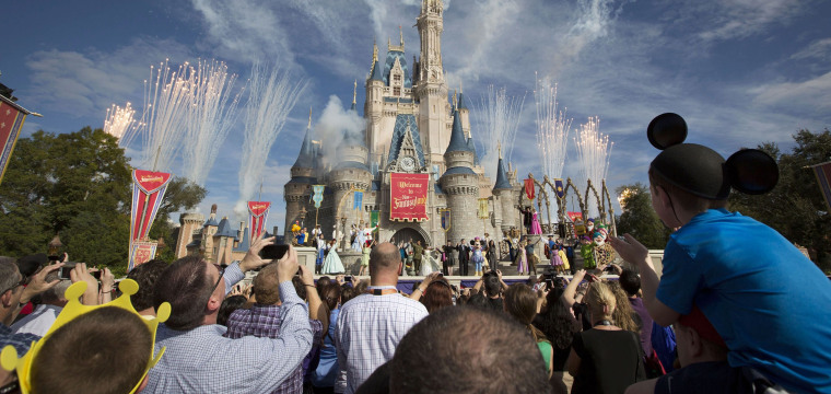 Disney counter-punches with $71.3 billion bid for Fox's crown jewels