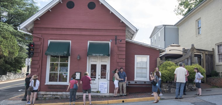 Trump attacks 'filthy' Red Hen, the Virginia restaurant that asked Sarah Sanders to leave