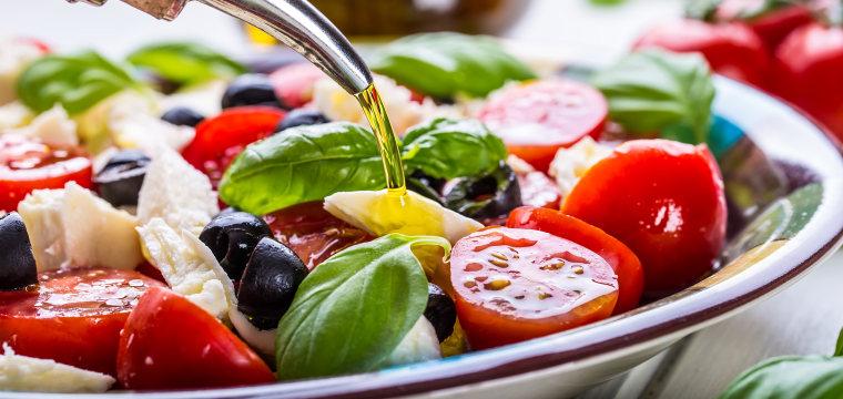 Even when not in Rome, eat a Mediterranean diet to cut heart disease risk