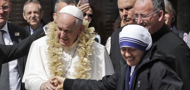 Pope Francis prays at Mother Teresa memorial in North Macedonia