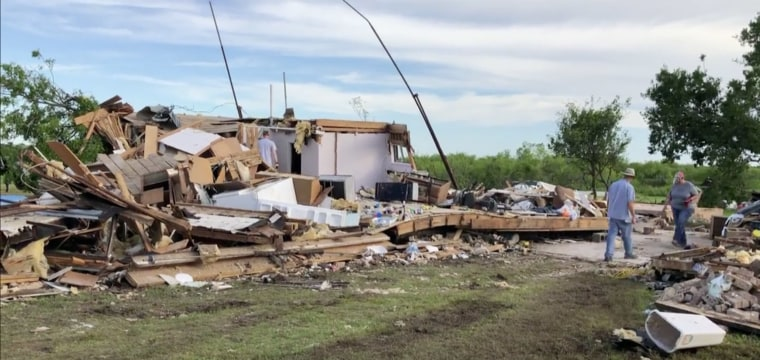 More tornadoes hit Oklahoma as extreme weather continues to batter southern Plains