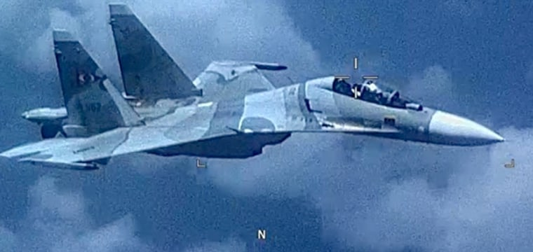 Video shows Venezuelan fighter jet 'aggressively shadowed' U.S. aircraft, Pentagon says