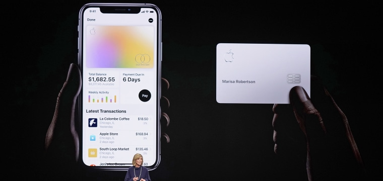 Apple invites first customers to apply for its credit card