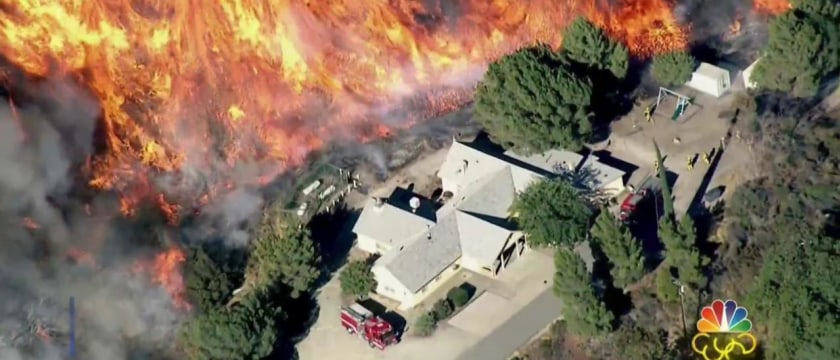 80,000 Forced to Abandon Their Homes as California Wildfires Spreads