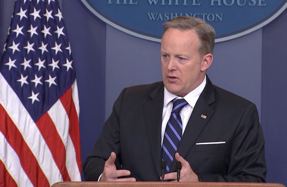 Spicer Calls U.S.-Mexico Relations 'Phenomenal' Ahead of Tillerson Visit