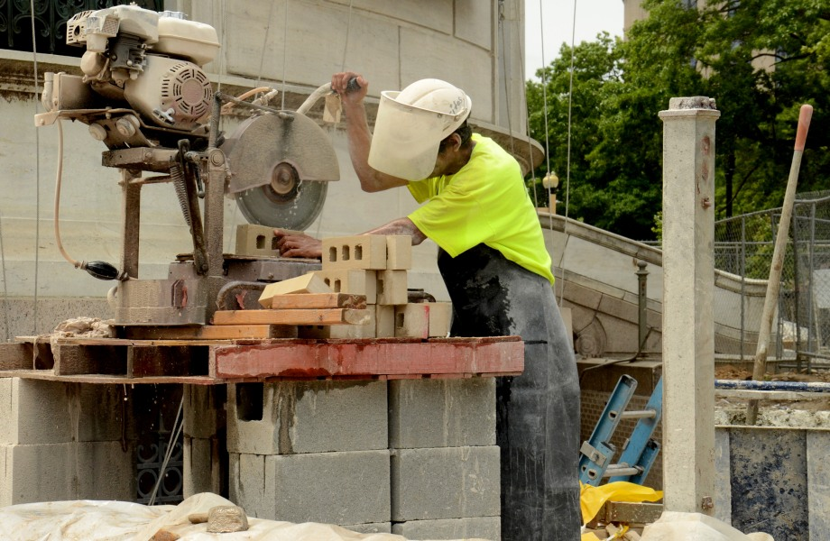 Flawed System Lets Contractors Cheat Workers on Federal Building Jobs