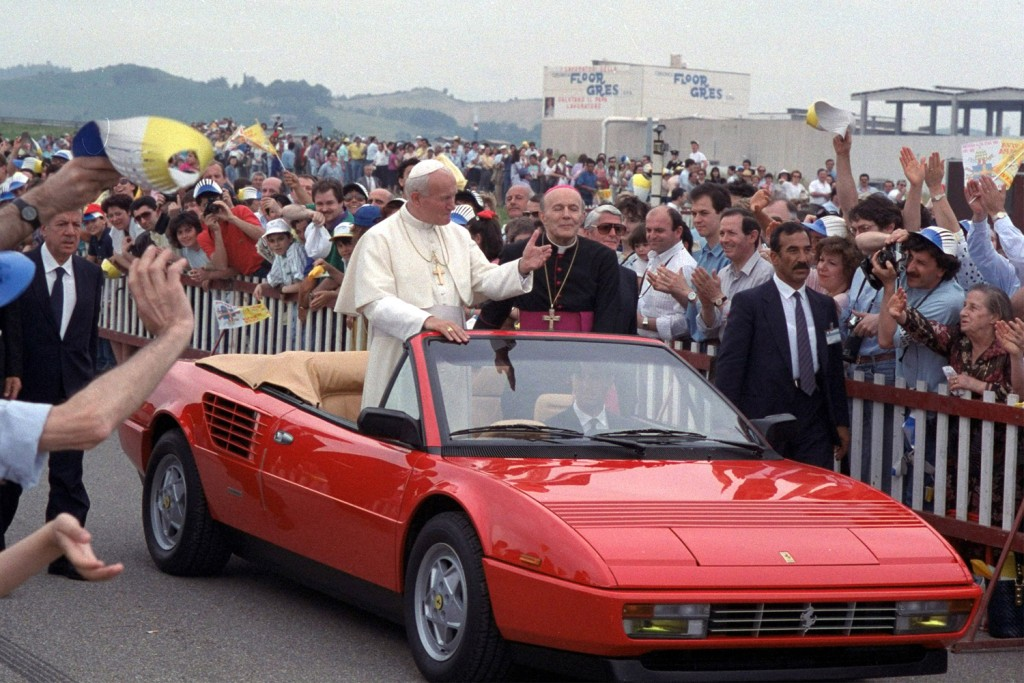 see the evolution of the popemobile nbc news. Black Bedroom Furniture Sets. Home Design Ideas