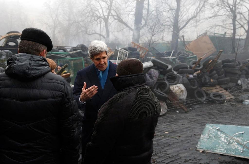 Image: John Kerry visits the Shrine to the Fallen in Kiev, Ukraine