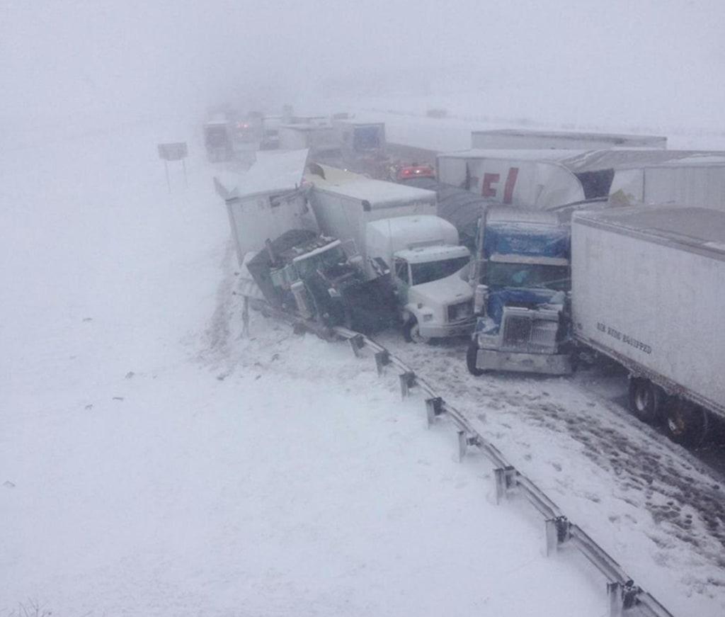 Image: A 50-vehicle crash on the Ohio Turnpike
