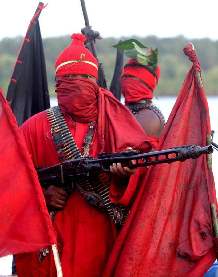 Image: Nigerian militants declare 'oil war