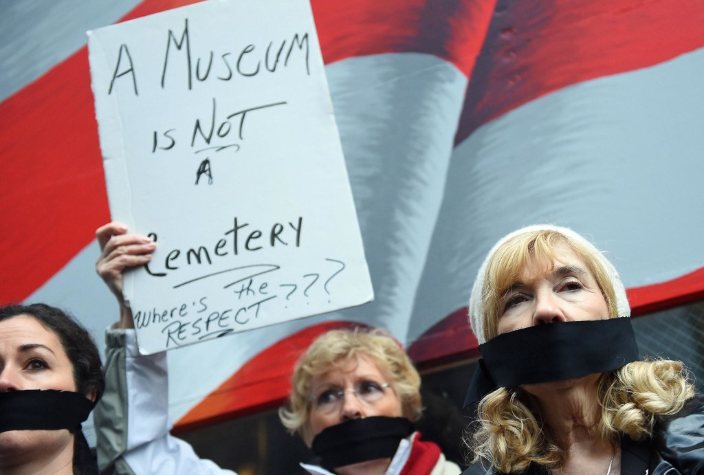 Image: US-ATTACKS-9/11 MEMORIAL-REMAINS-PROTEST