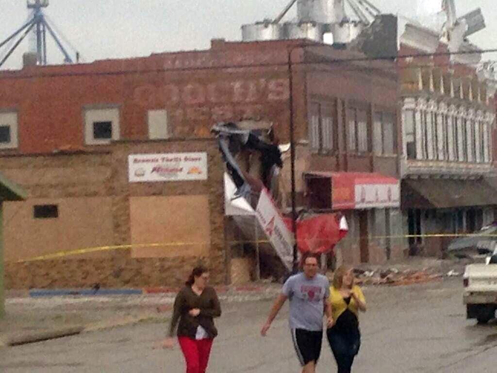 Image: A suspected tornado caused damage in Sutton, Nebraska