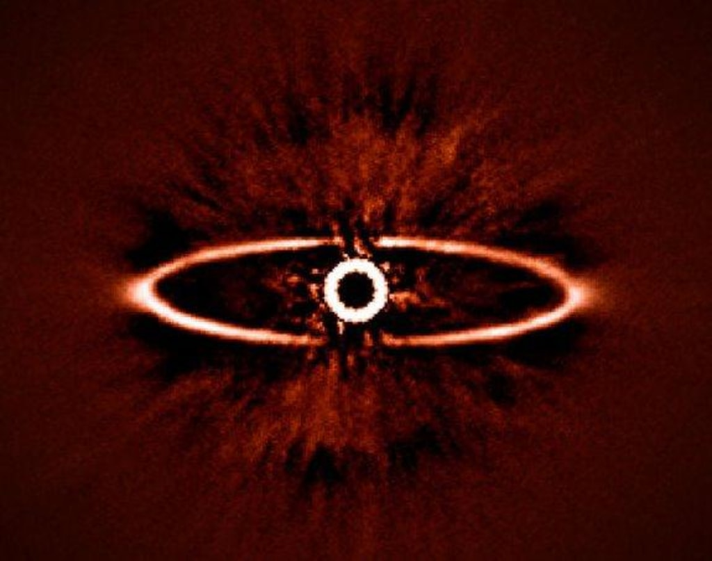 Image: This infrared image from SPHERE shows the dust ring around the nearby star HR 4796A in the southern constellation of Centaurus.
