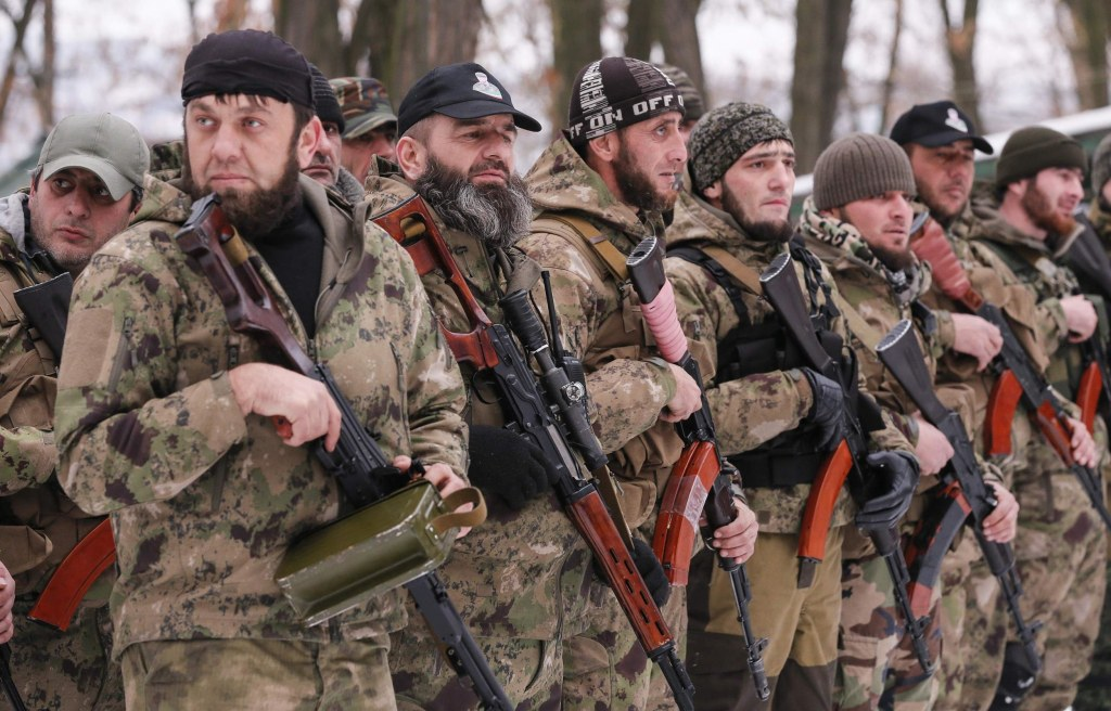 """Image: Pro-Russian separatists from the Chechen """"Death"""" battalion"""
