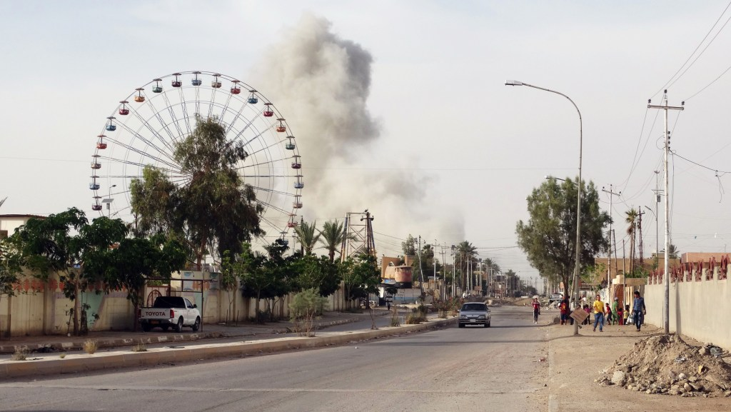 Image: Smoke rises after an airstrike by the U.S.-led coalition on Islamic State group positions in an eastern neighborhood of Ramadi