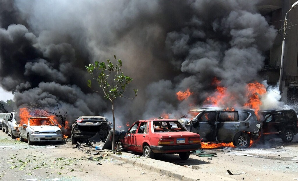 Image: Bombing targets convoy of Egyptian Prosecutor General