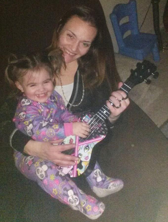 Image: Rachelle Bond and her daughter Bella