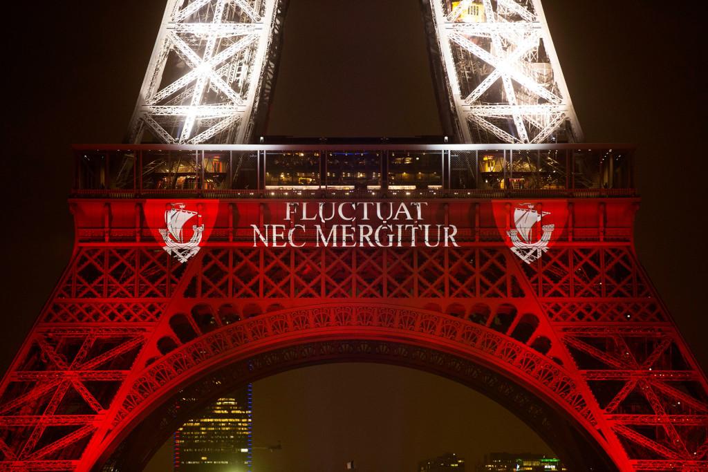 Image: Eiffel Tower illuminated