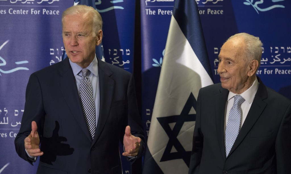 Image: US Vice President Biden meets Shimon Peres in Jaffa