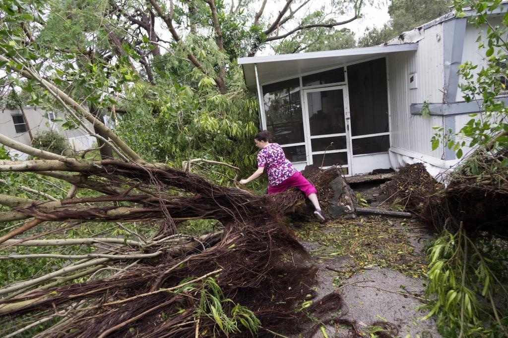 Hurricane Matthew Pounds Florida Coast