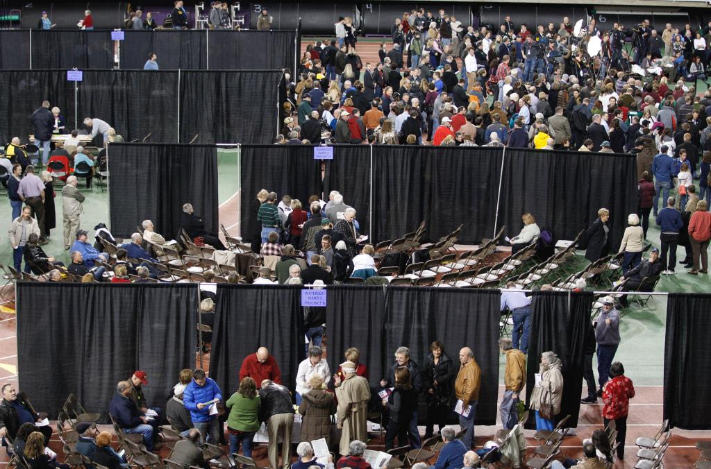 Image: Iowa caucus goers